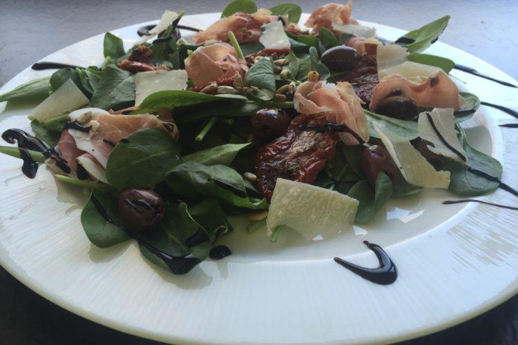 Špenátový salát – vzpomínka na Gardu