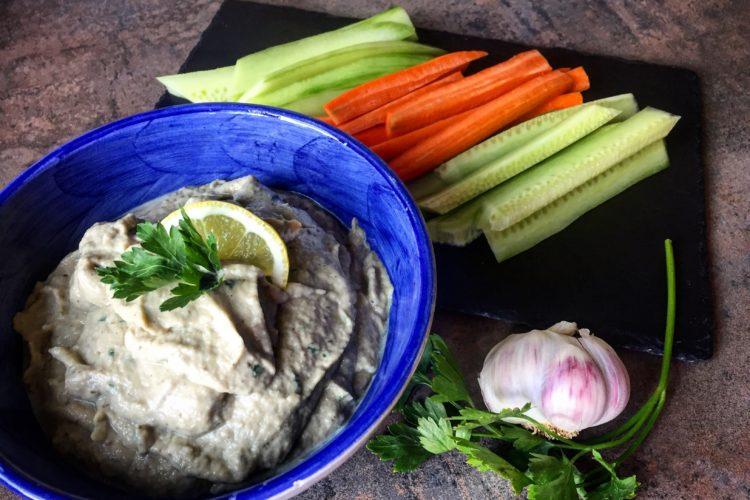 Hummus z pečeného lilku